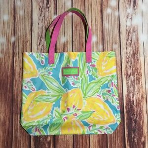 Lilly Pulitzer for Estée Lauder tote.